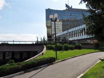 Озелењавање површина – пословна зграда НИС – Београд