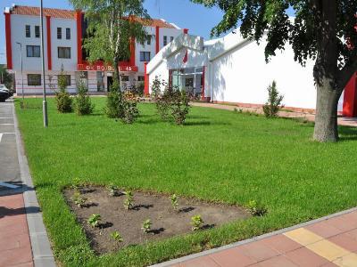 Уређење зелених површина у СЦ Вујадин Бошков